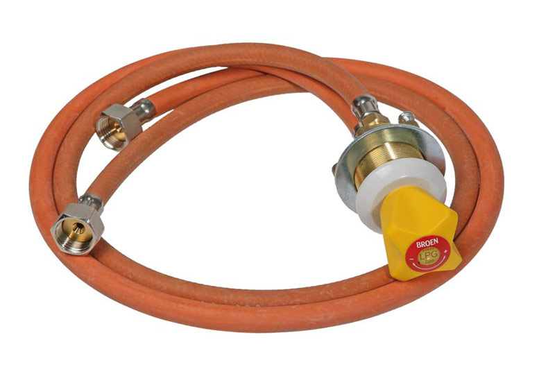 Gas fitting with 2 gas hoses